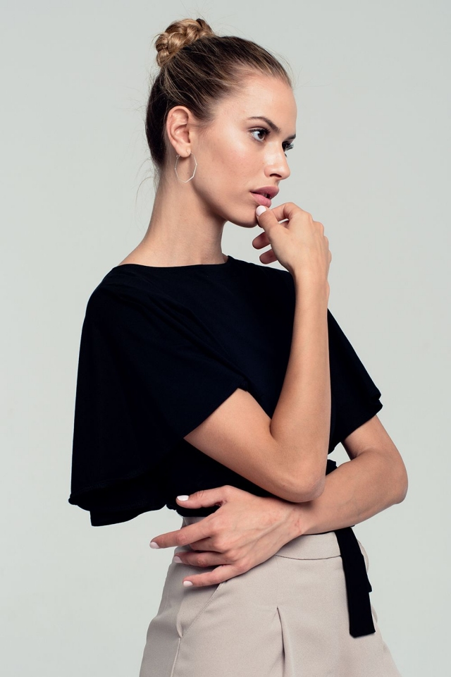 Ruffled sleeves black crop top with open back and bow detail
