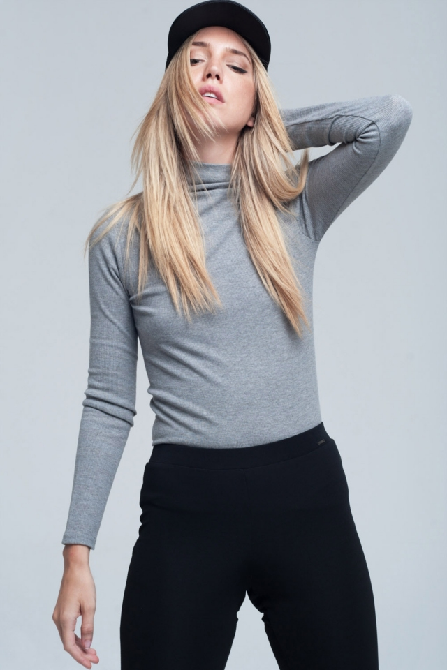 Ribbed high neck long sleeves top in grey