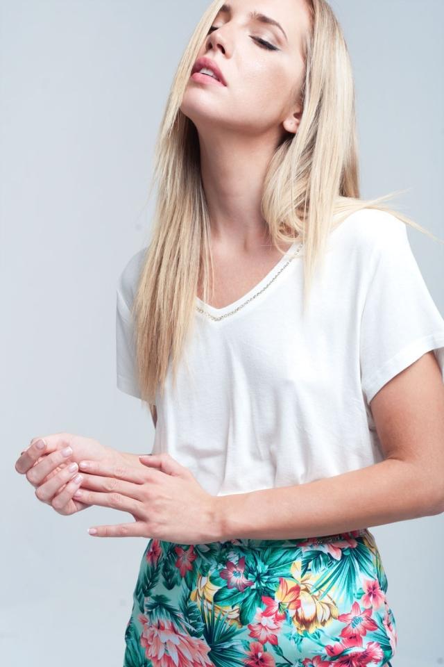 Strass neckline t-shirt in white