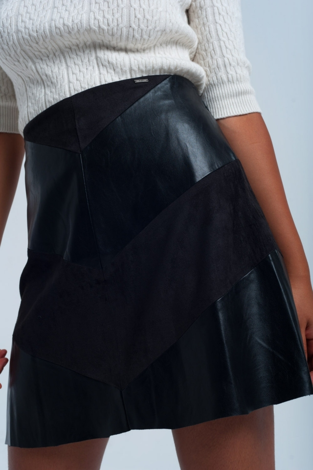 Black skirt with duo fabrics