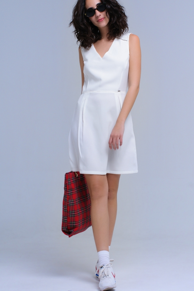 White dress with crochet and ribbons