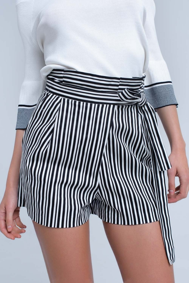 Black striped short with high waist