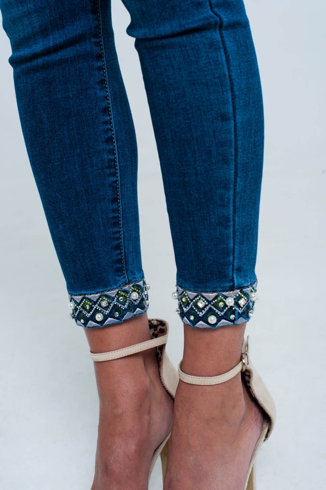 Skinny Ankle Jeans with embroidery detail