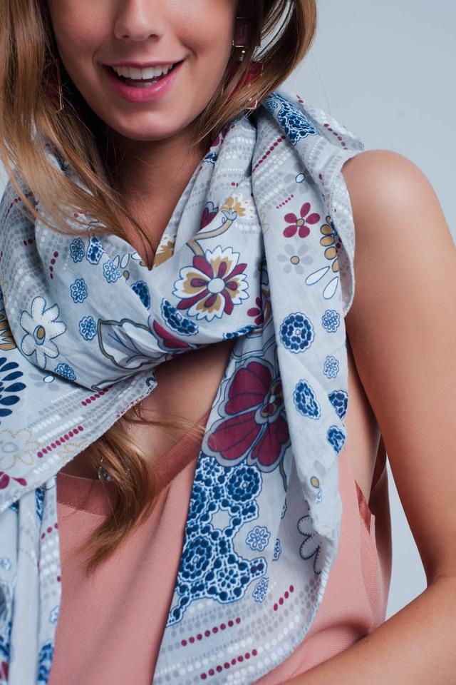 Grey scarf with flower print
