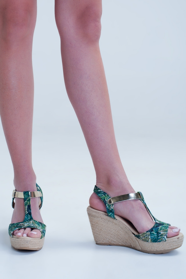 Espadrille wedges with tropical print
