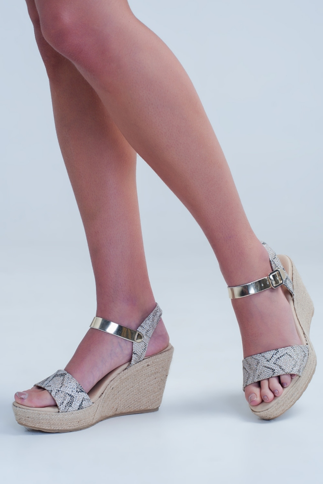 Espadrille wedges with leopard print
