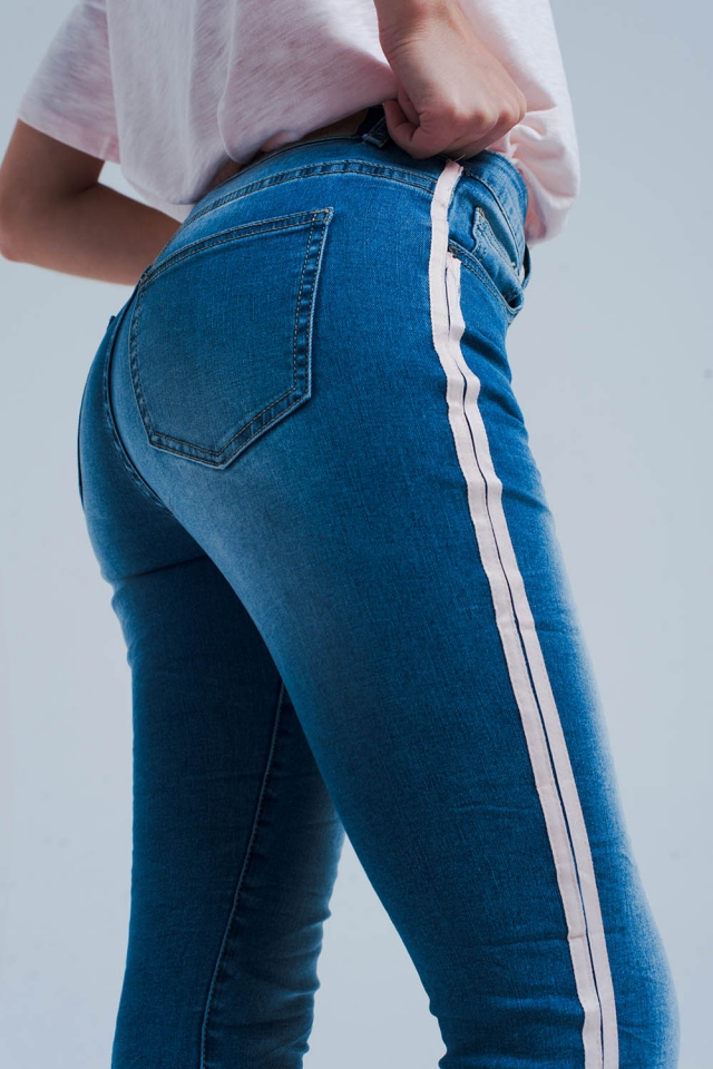 Skinny jean with side seam stripes