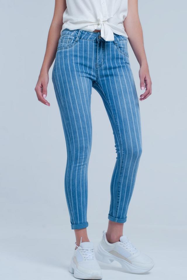 Light denim skinny jeans with light stripes
