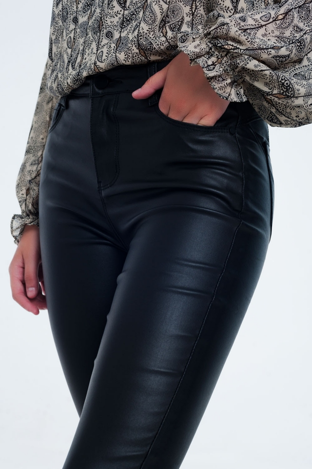 High waist black pants in skinny fit