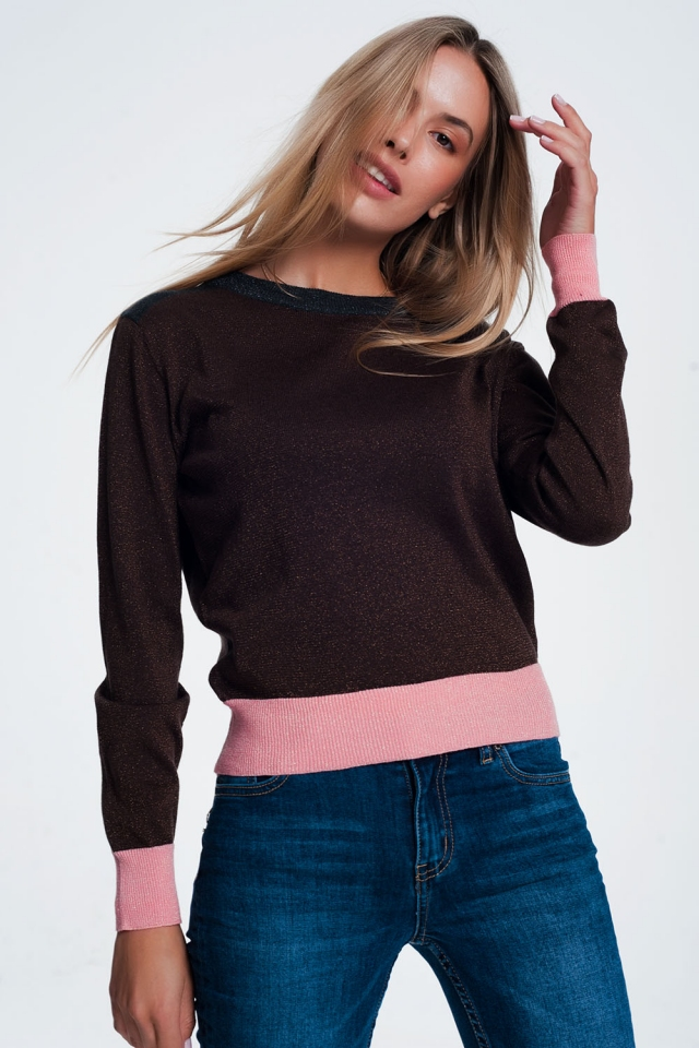 Sweater with pink stripe hem in brown