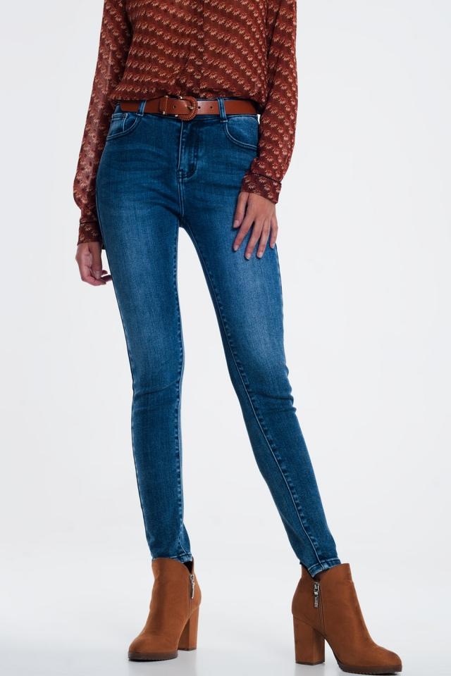 skinny jeans in light wash