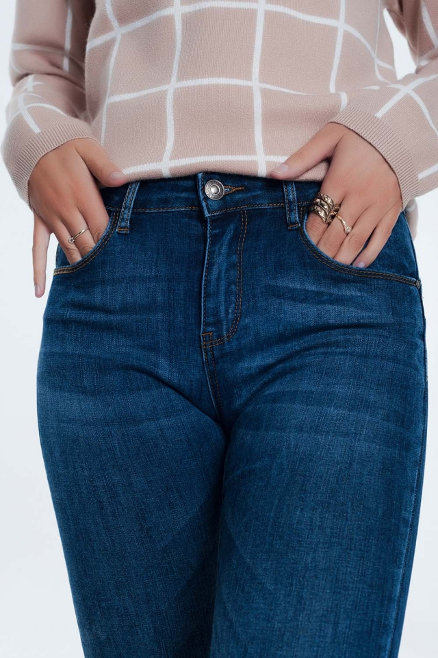Push-up jeans in mid wash