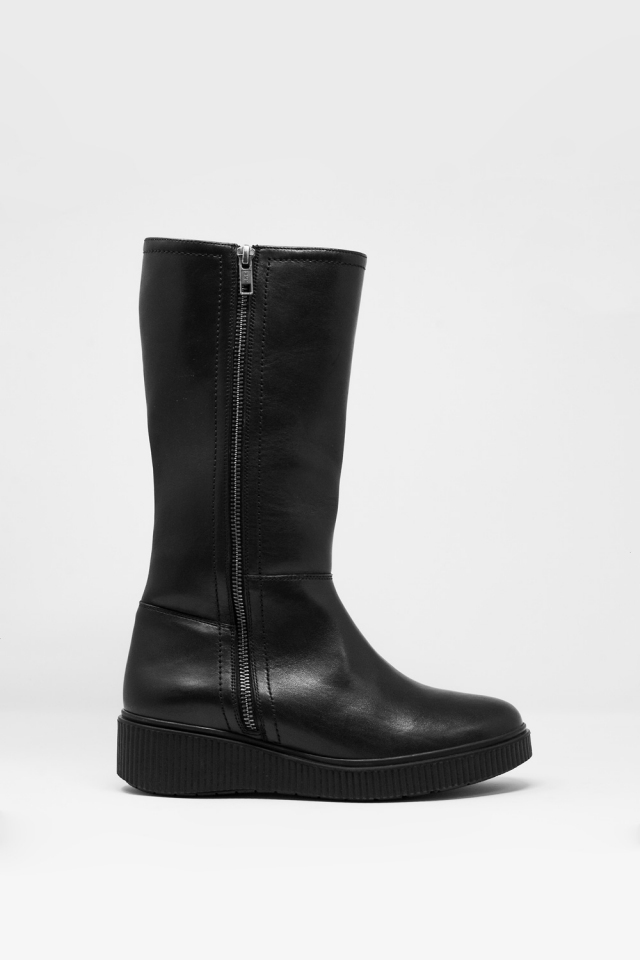 chunky zip boots in black