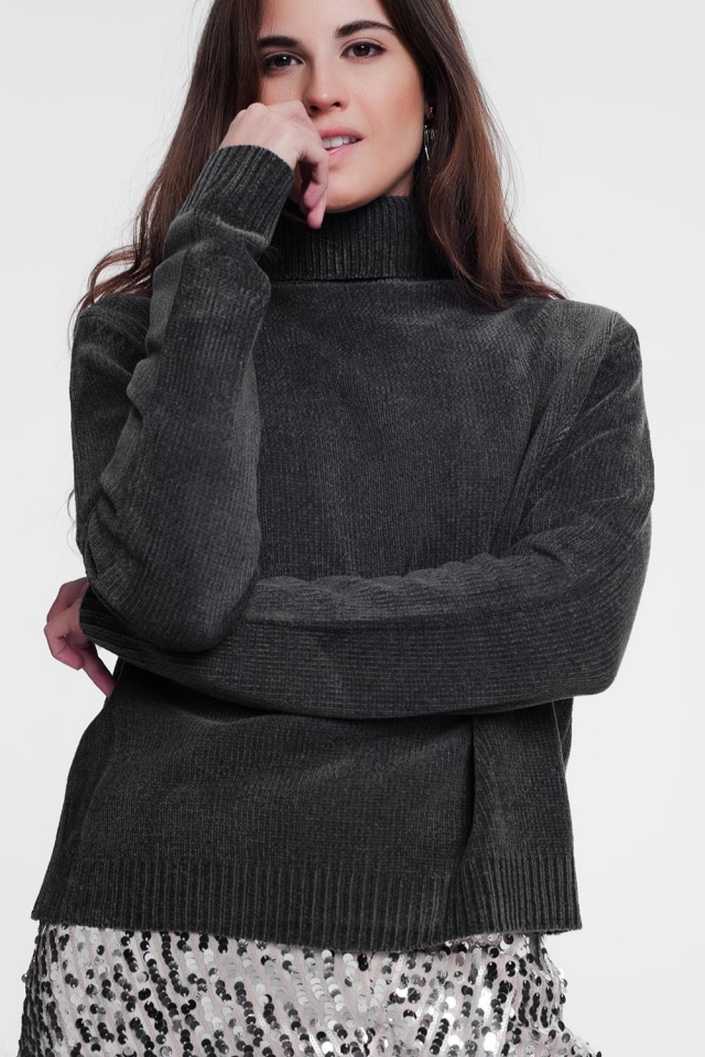 Grey turtleneck sweater with long sleeves