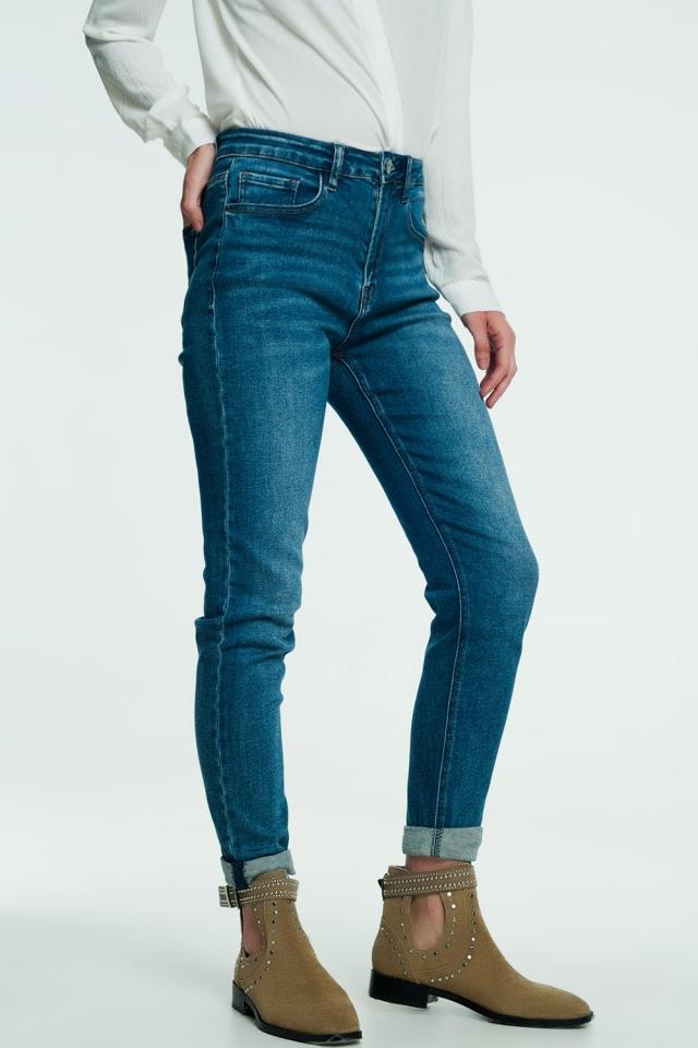 High waist jeans in medium wash