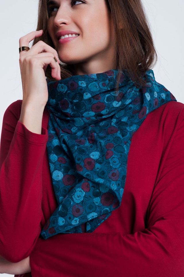 Patterned turquoise coloured scarf