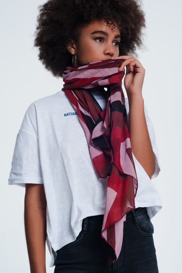 Maroon scarf with print