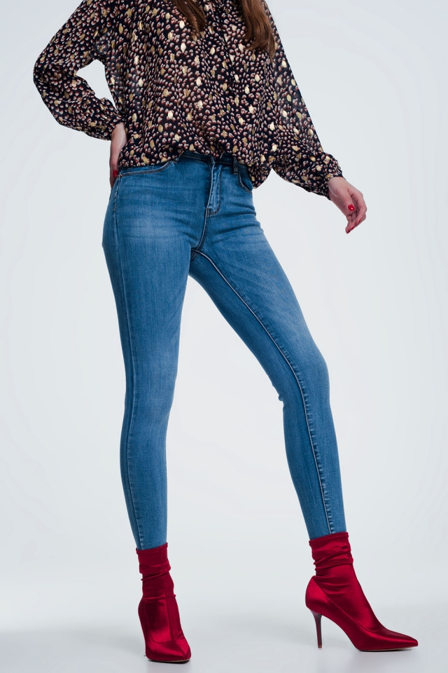 skinny jeans in light denim with wash detail