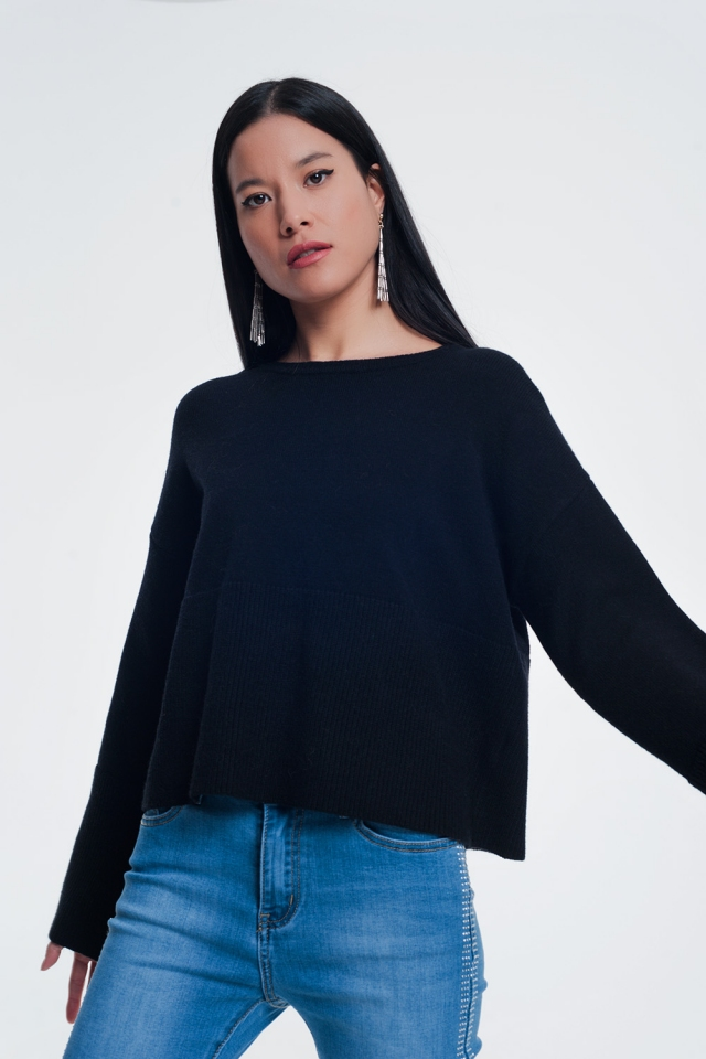 Black sweater with long sleeves