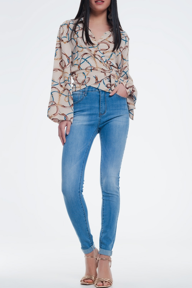 light denim skinny jeans in light wash