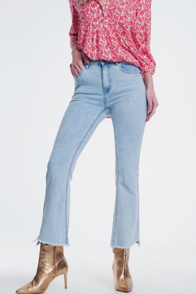 straight jeans in light denim with wide ankles