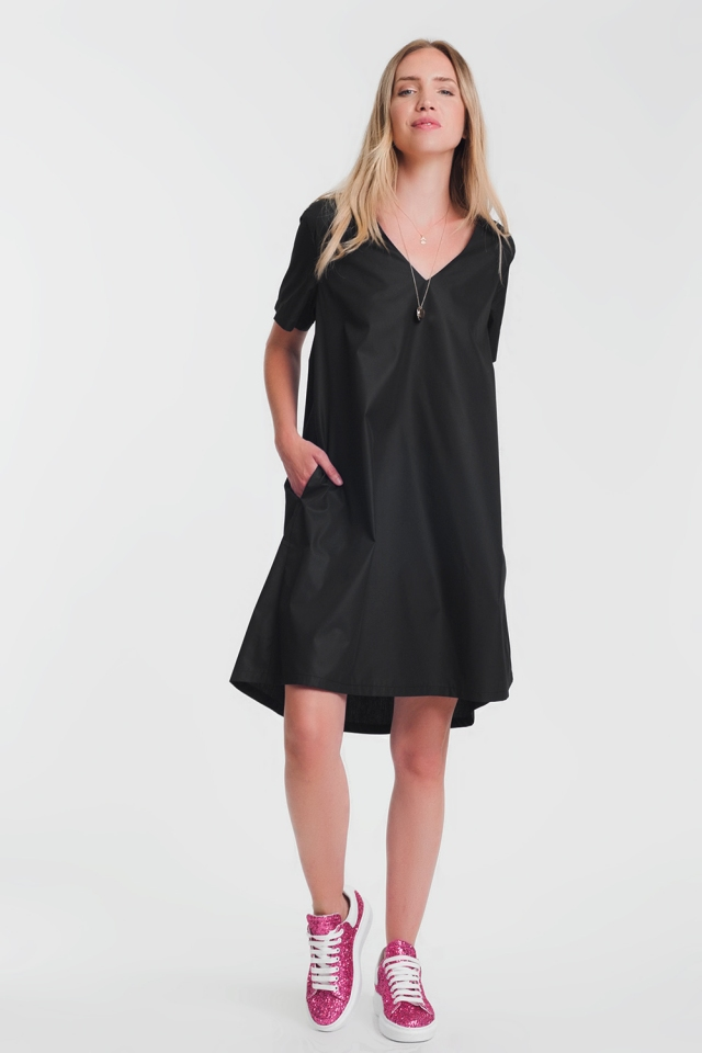 Black poplin shiny dress with v neck