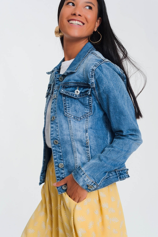 Cropped denim jacket in light blue wash