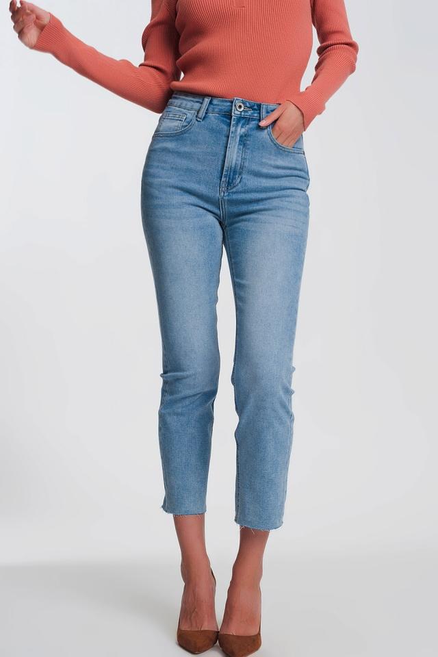 Straight leg jeans in light blue with raw hem