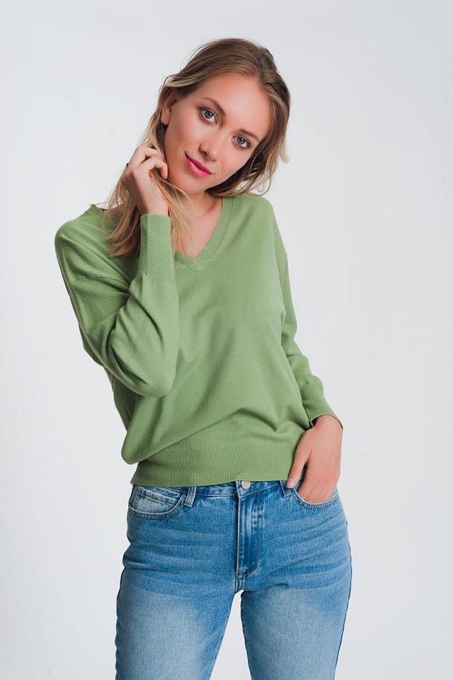 V neck light weight knit jumper in green
