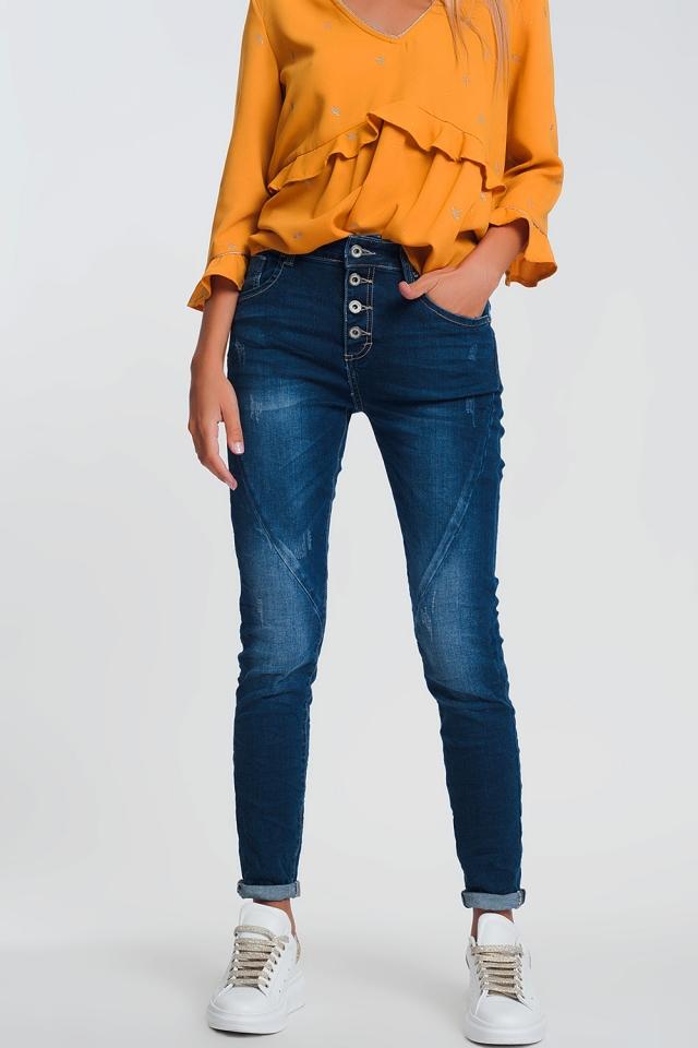 Boyfriend jeans in light denim with dark wash