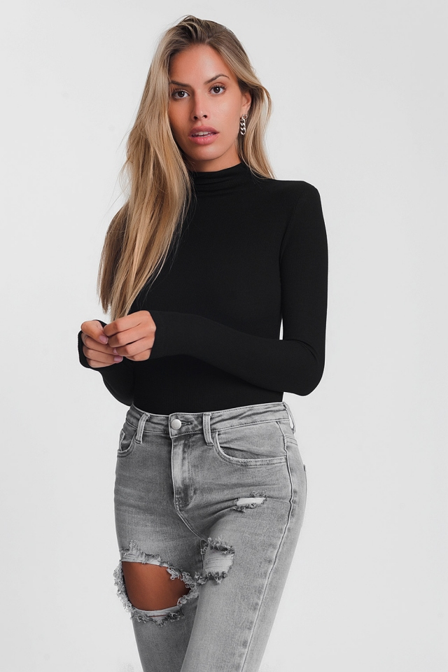 Turtle neck fine sweater in black