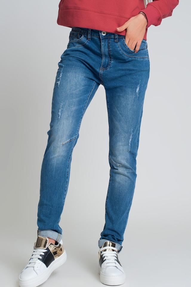 distressed boyfriend jeans in blue