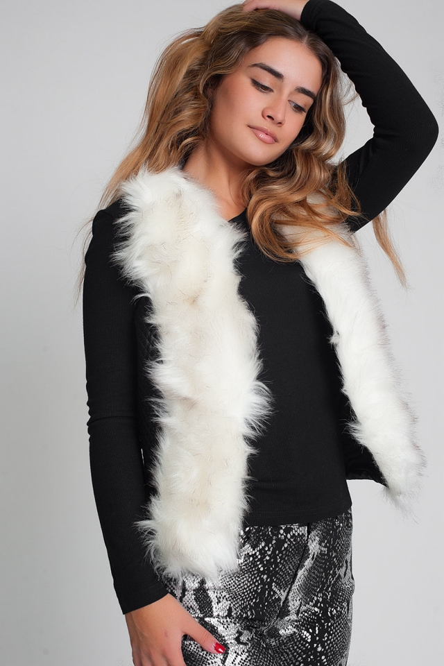 Black quilted synthetic leather vest with faux fur edge