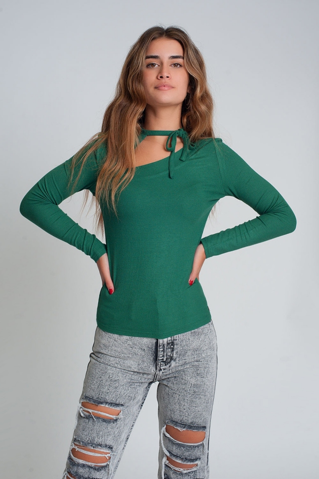 Asymmetric neck sweater in green