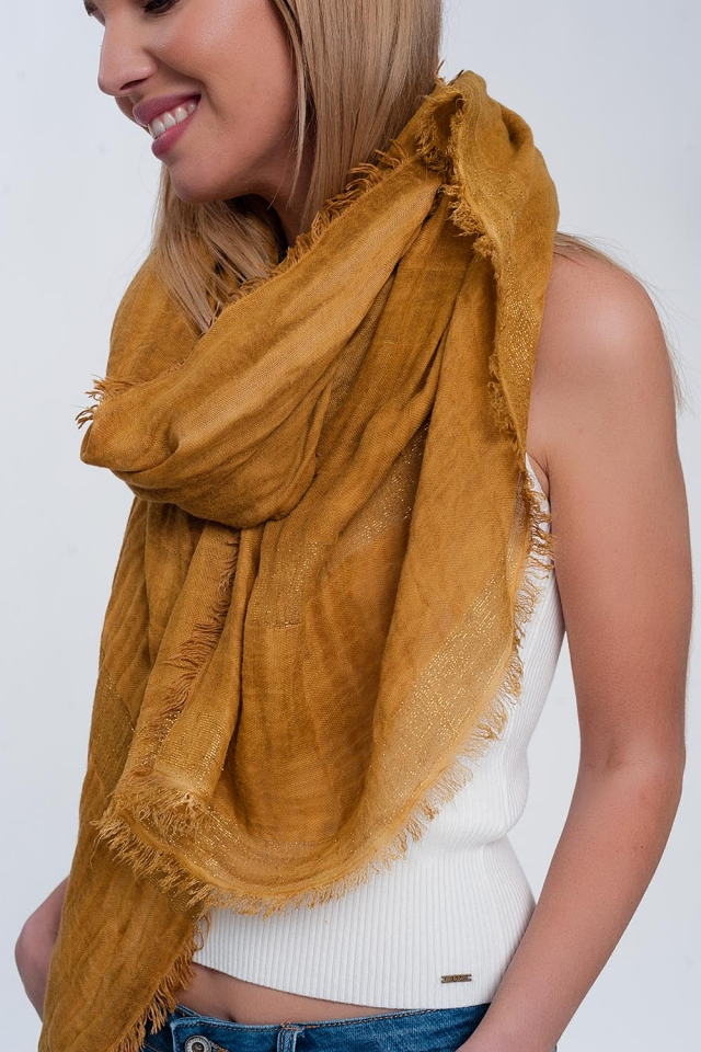 Lightweight scarf in mustard with gold stripes