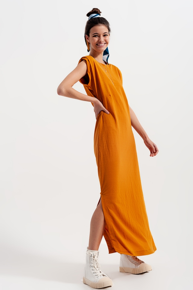 Midaxi dress with shoulder pads in orange