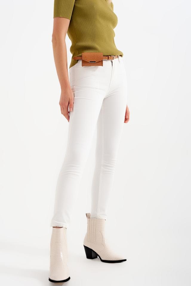 Skinny jeans in white