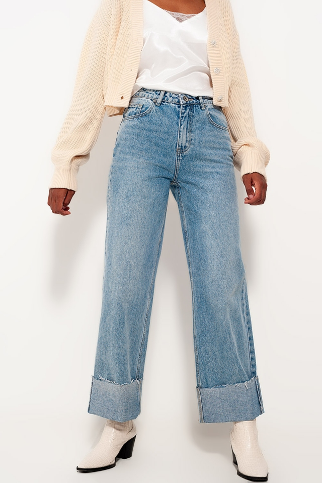 Relaxed straight leg jeans with turn up in bleach wash