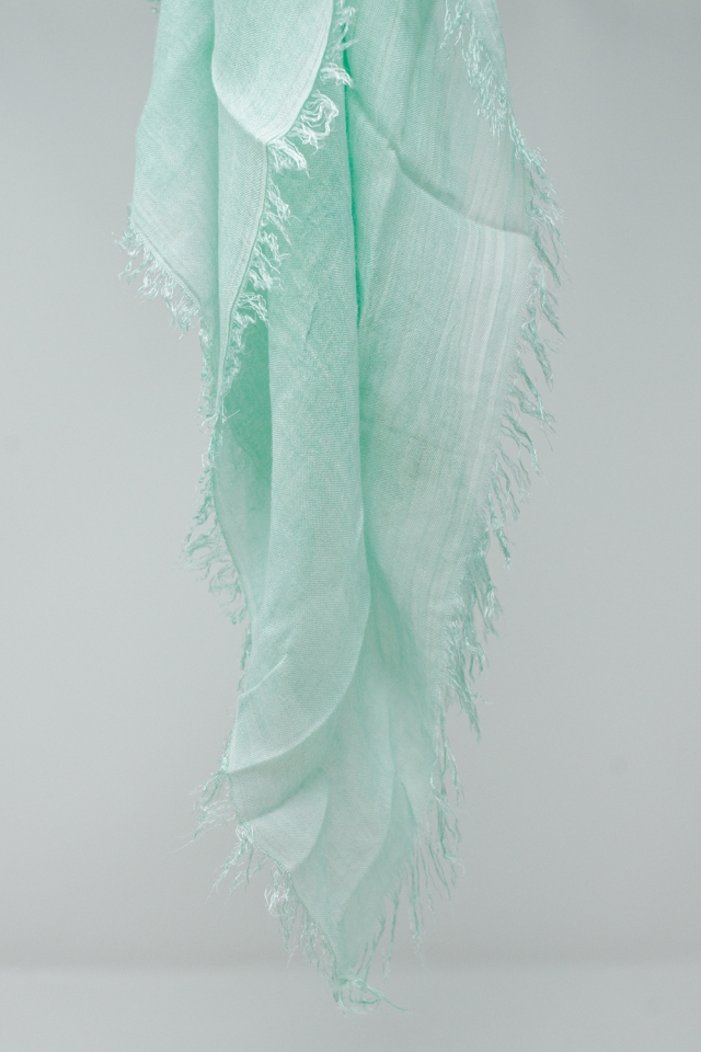 Lightweight scarf in turquoise
