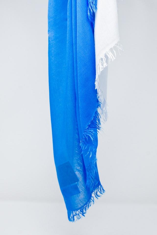 Lightweight scarf in blue