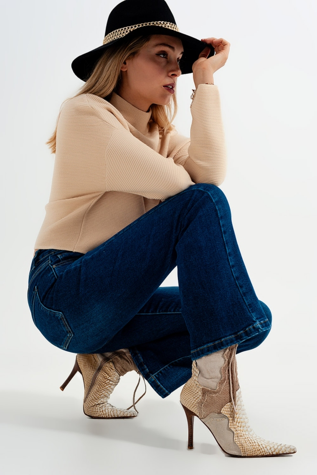 Stretch flare jeans in midwash