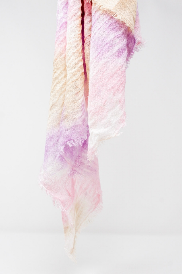 Scarf in pink tie dye wash